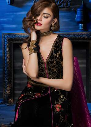Aamna Aqeel Embroidered Velvet Unstitched 3 Piece Suit AAV17W 01