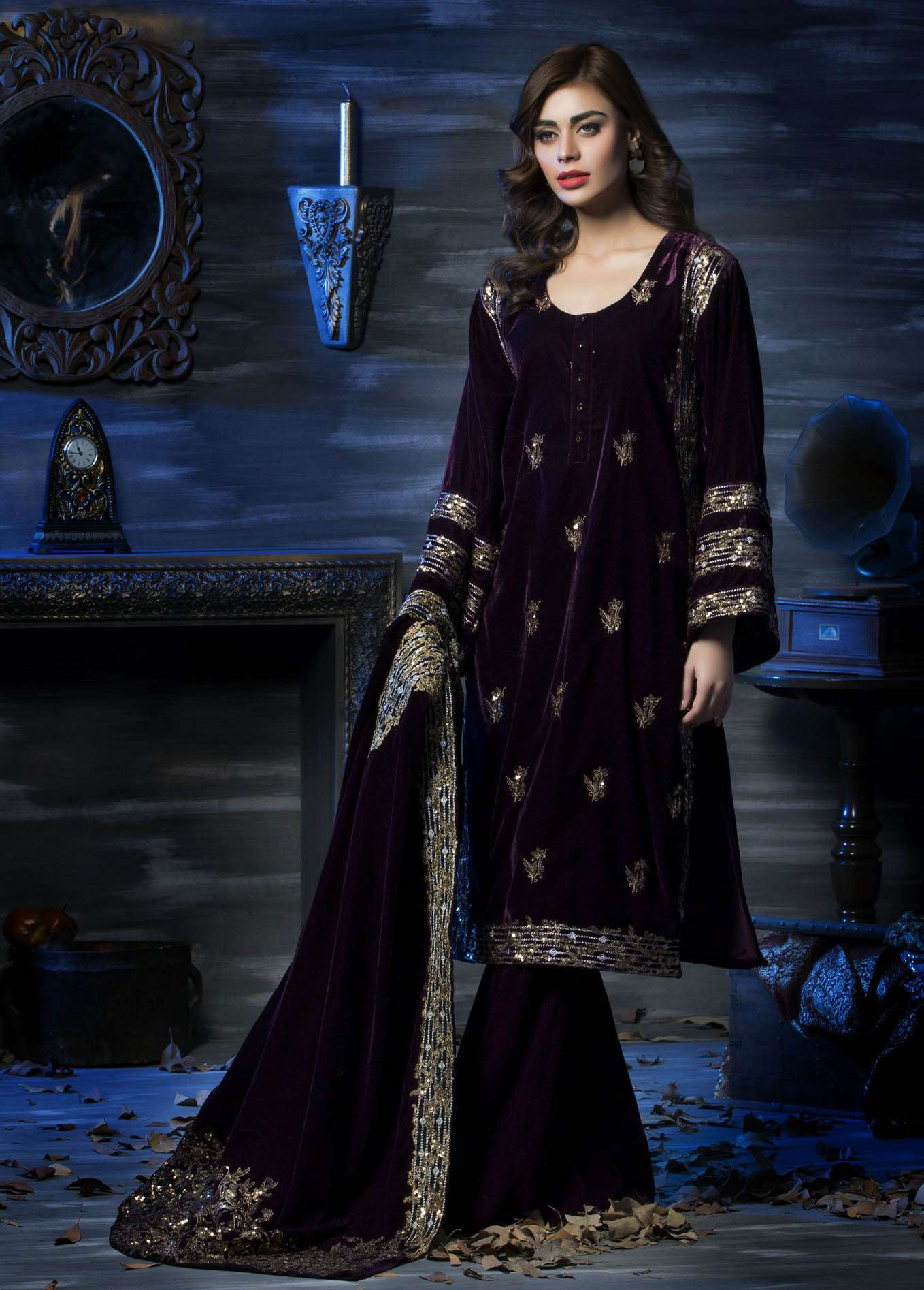 Aamna Aqeel Embroidered Velvet Unstitched 3 Piece Suit AAV17W 08