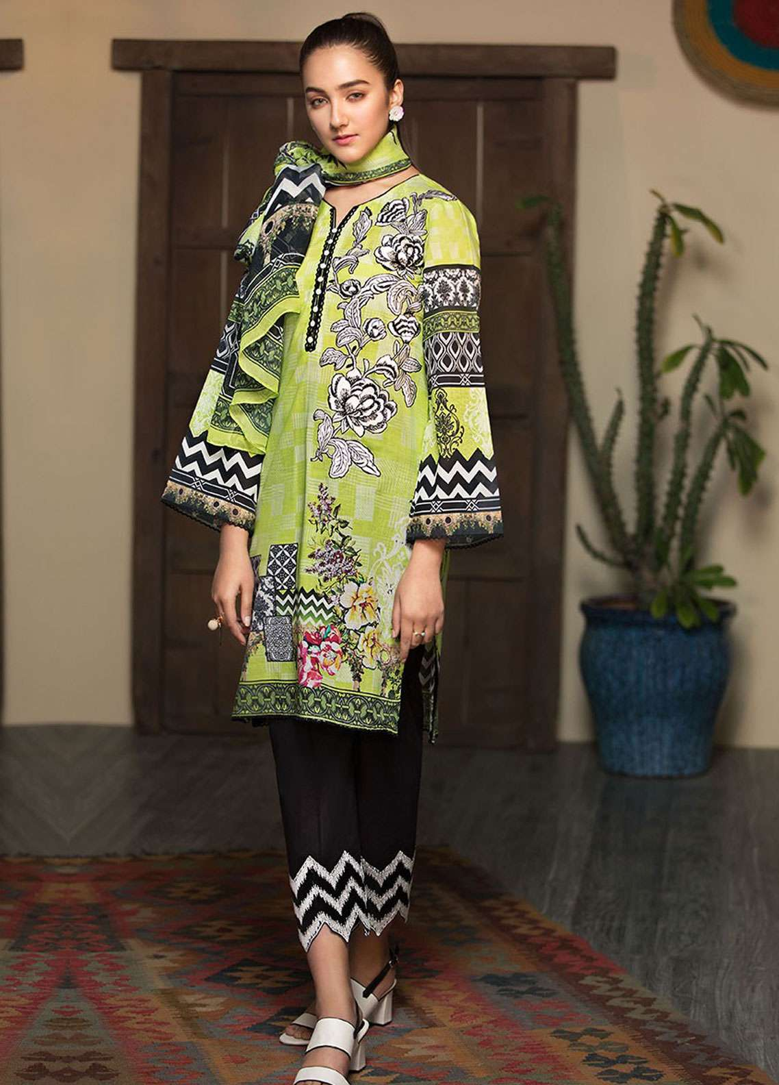 Arena by Mohagni Digital Embroidered Lawn Unstitched 3 Piece Suit AMO19L 03 - Spring / Summer Collection