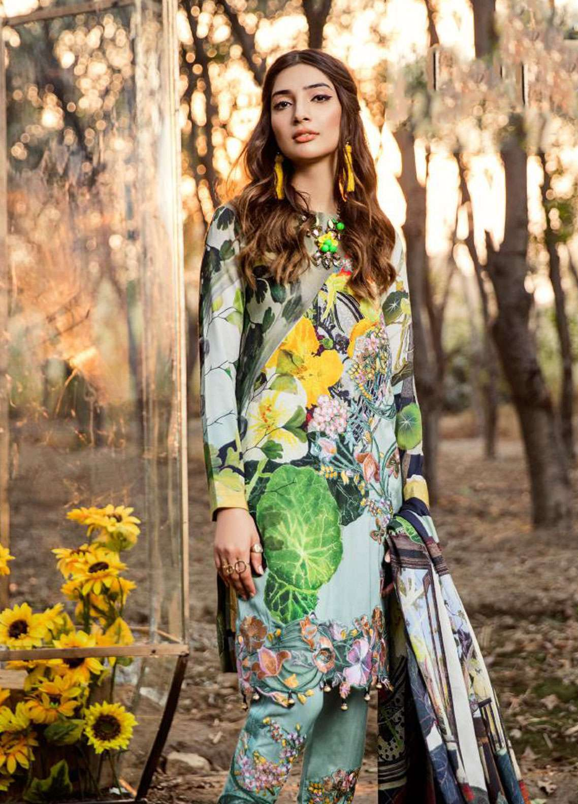 Asifa & Nabeel Embroidered Linen Unstitched 3 Piece Suit AN18W 9I Sunflowers - Winter Collection