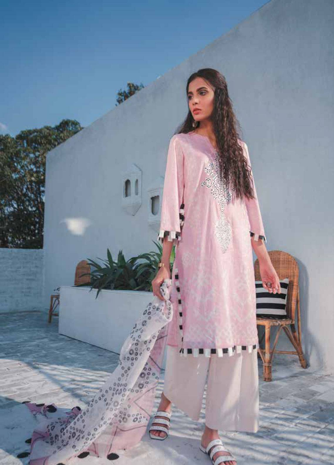 Cross Stitch Embroidered Lawn Unstitched 3 Piece Suit CS19-L2 05 PINK ROSEATE - Spring / Summer Collection