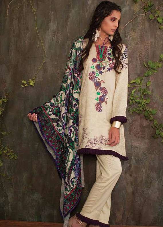 Deeba Embroidered Velvet Unstitched 3 Piece Suit DB17V 11A