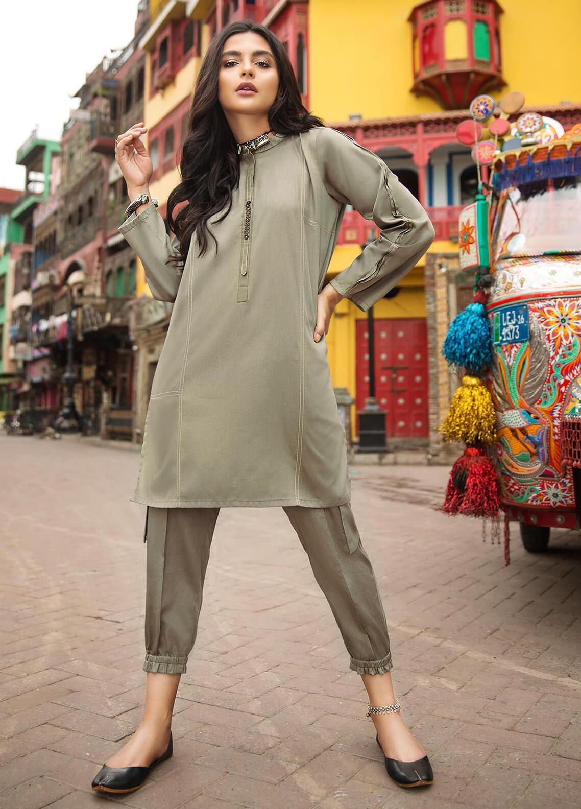 Edenrobe Embroidered Cotton Stitched 2 Piece Suit 066856