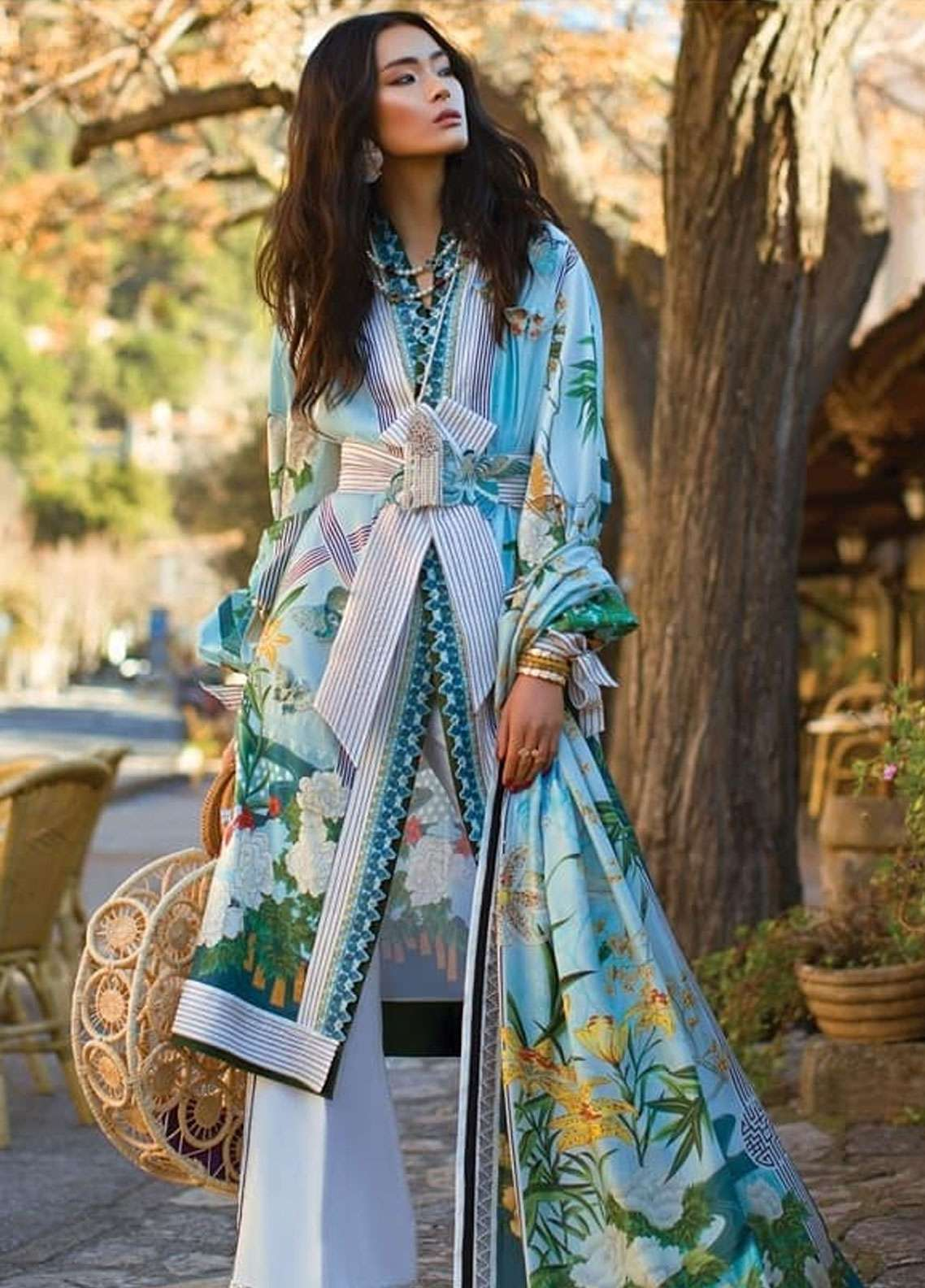 Elan Embroidered Lawn Unstitched 3 Piece Suit EL19L 5A SERENIDAD - Spring / Summer Collection