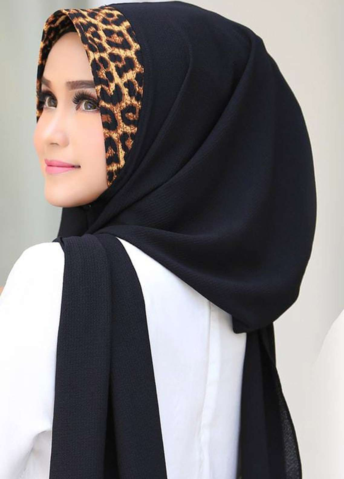 Flow Idea Hijab  Bubble Pop  Ladies Scarves HH Flow Leona 04 Black -