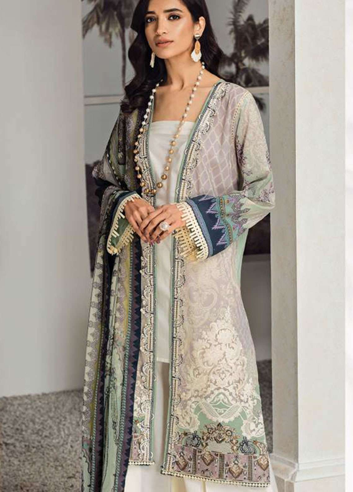 Fuchsia by Baroque Embroidered Lawn Unstitched 3 Piece Suit FC19L 06 SVANA - Spring / Summer Collection