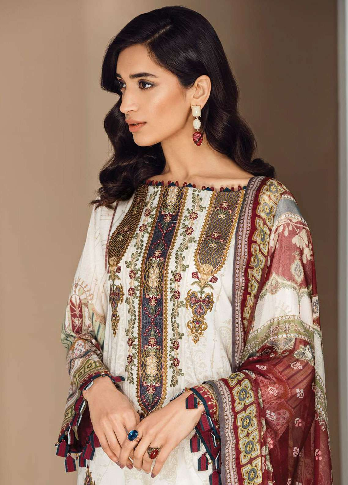 Fuchsia by Baroque Embroidered Lawn Unstitched 3 Piece Suit FC19L 09 VALENTINA - Spring / Summer Collection