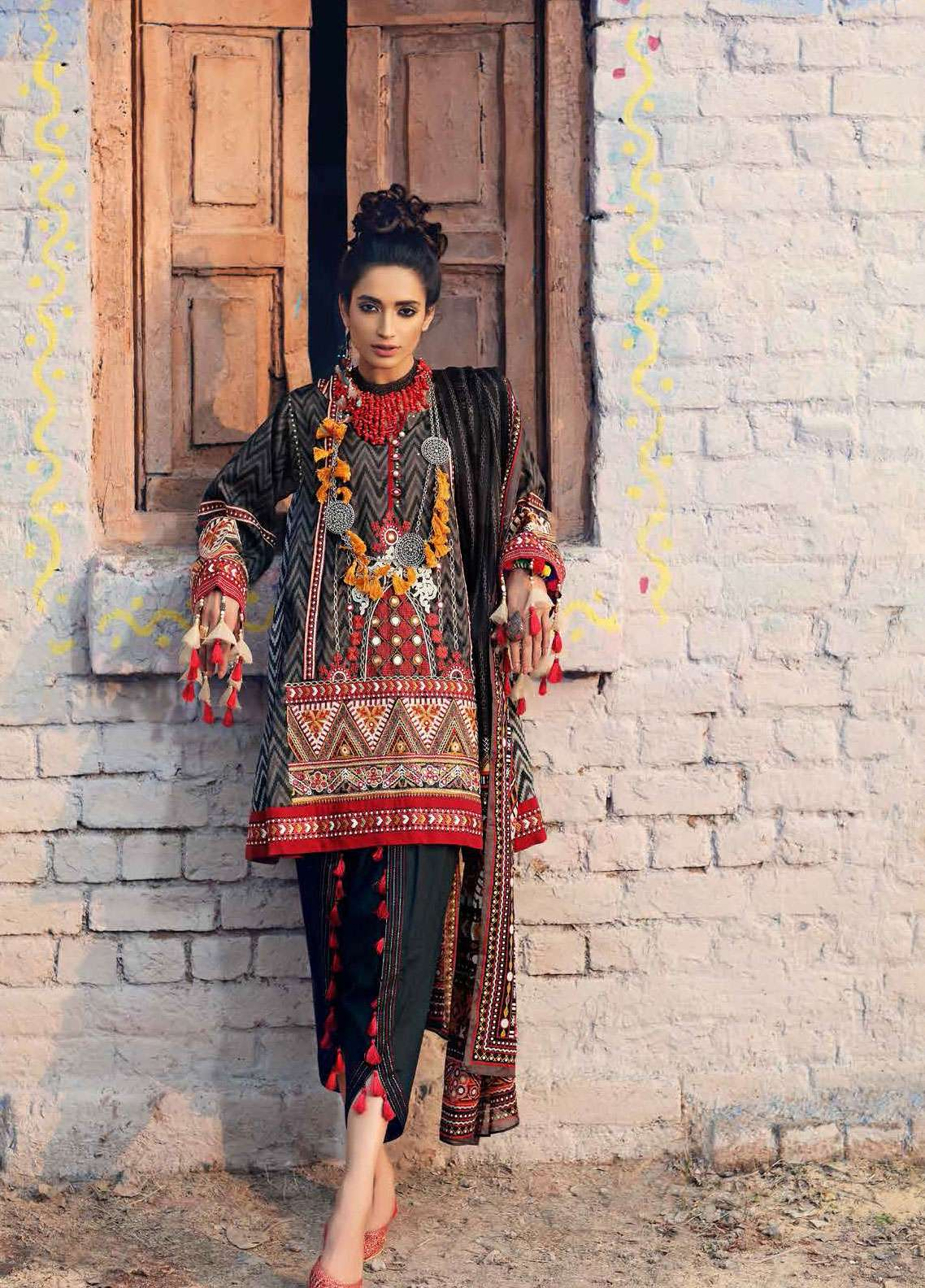 Gul Ahmed Gypsy Embroidered Cotton Unstitched 3 Piece Suit GAG19L GL-18 - Spring / Summer Collection
