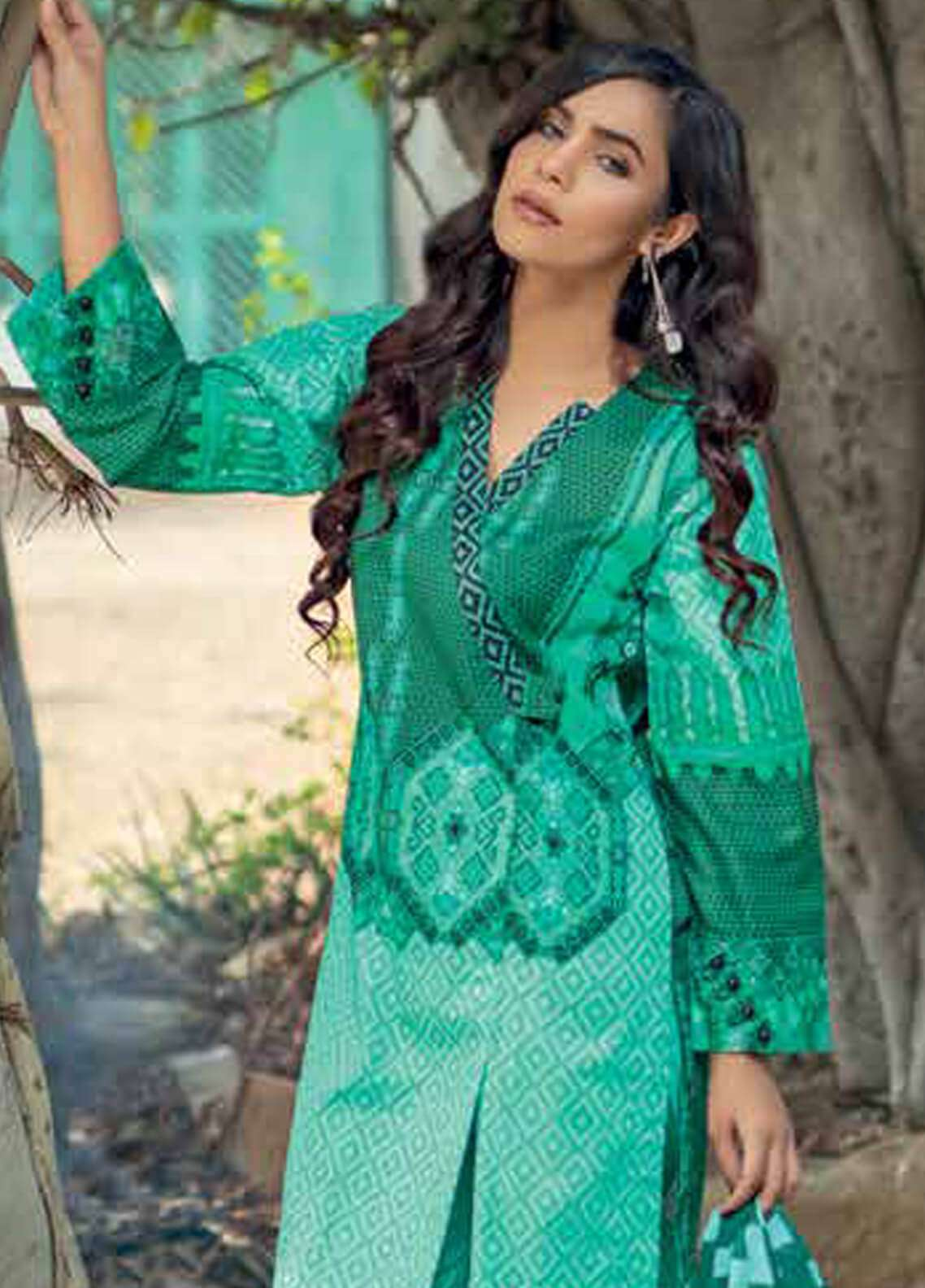 Gul Ahmed Printed Cotton Net Unstitched 3 Piece Suit GA18W CD12A - Winter Collection