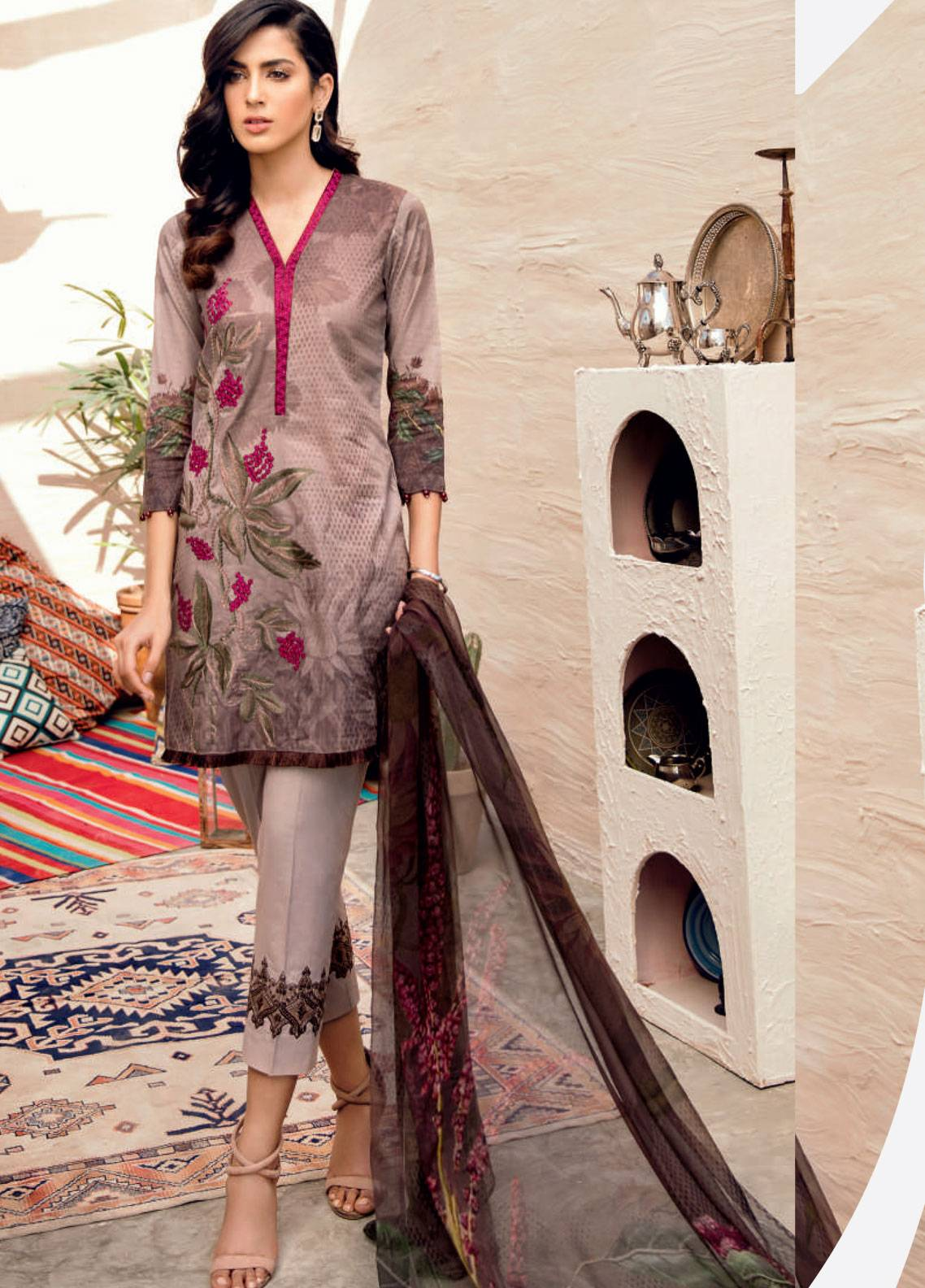 Iznik Chinon Embroidered Lawn Unstitched 3 Piece Suit IZC19-L2 06 - Spring / Summer Collection