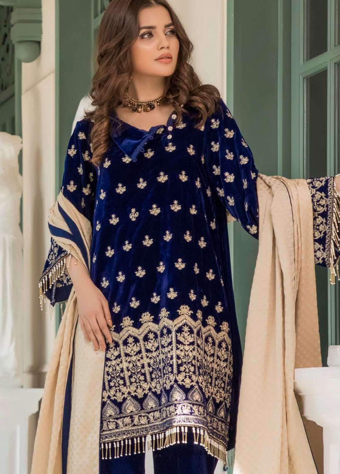 Kalyan By ZS Embroidered Velvet Unstitched 3 Piece Suit KLY18C 04 - Luxury Collection