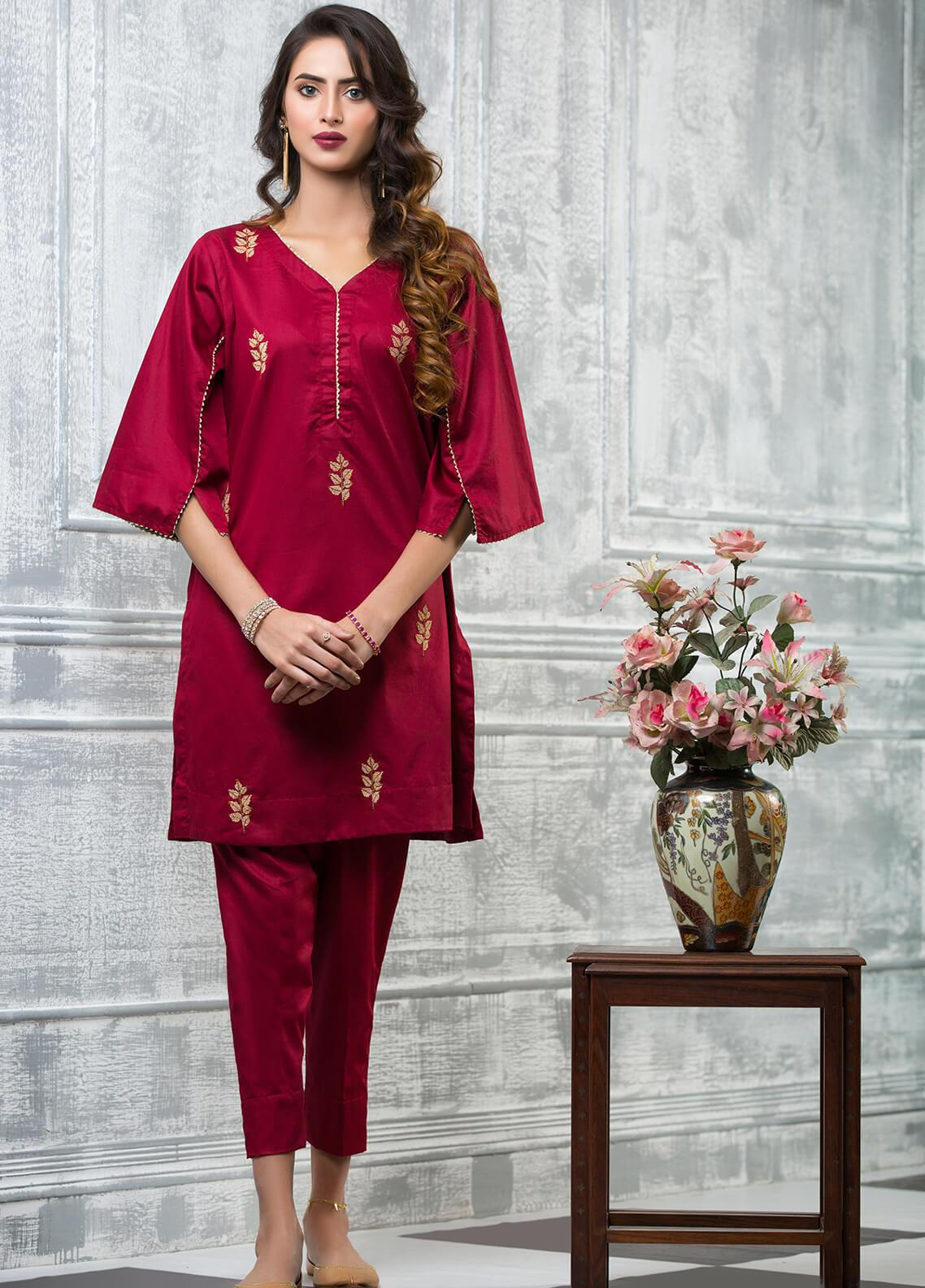 0a7e3e7fcc1 Keshia Embroidered Cotton Stitched Kurtis Aafreen