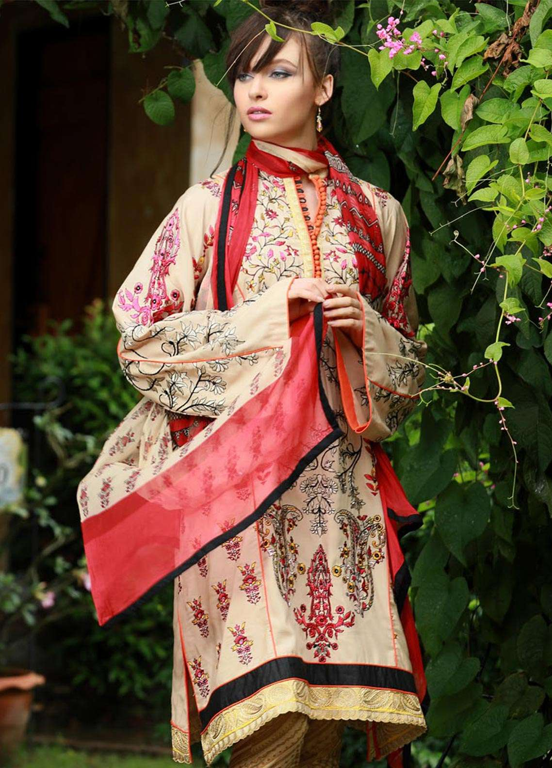 Lakhany Embroidered Pashmina Unstitched 3 Piece Suit LSM18KK 444 - Exclusive Winter Range