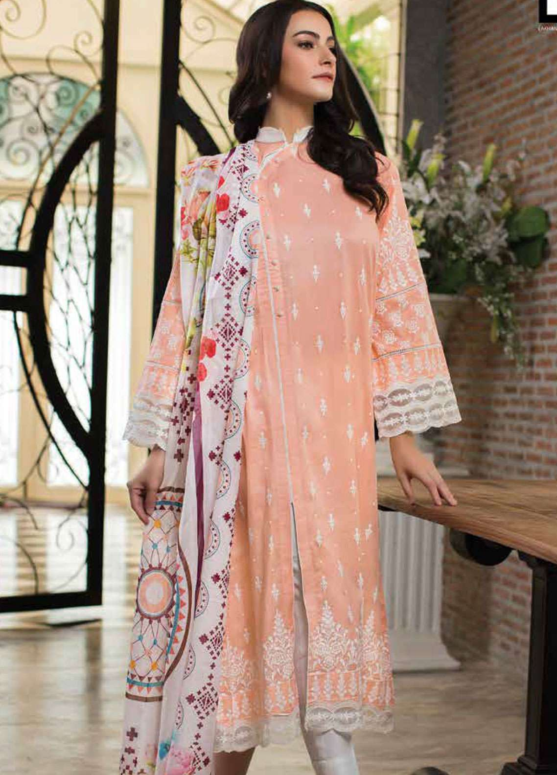 Lakhany Printed Lawn Unstitched 3 Piece Suit LSM19L LWP0002 - Spring / Summer Collection