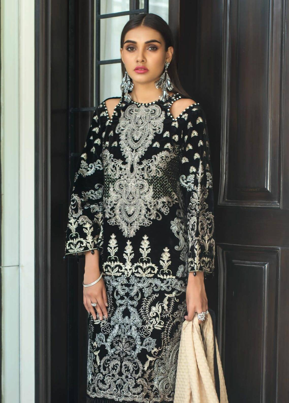Mahrukh By ZS Embroidered Velvet Unstitched 3 Piece Suit MHK18VC 10 - Luxury Collection