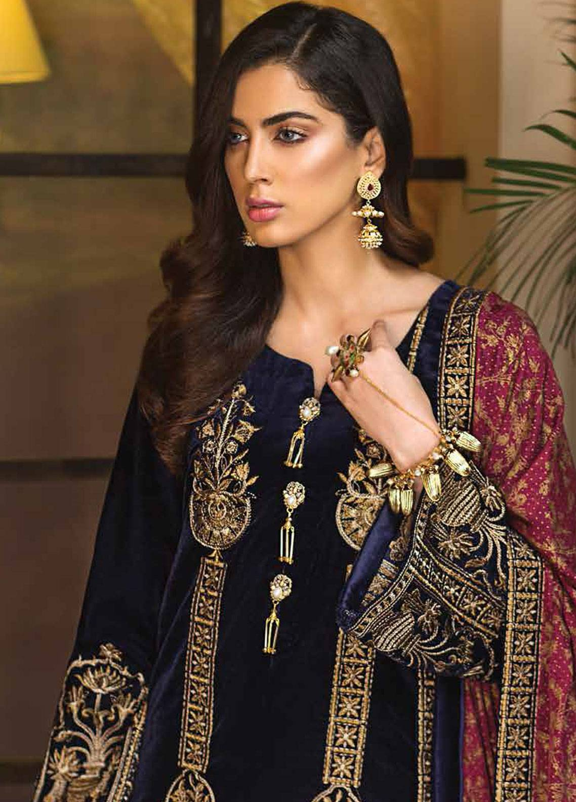 Mohagni Embroidered Velvet Unstitched 3 Piece Suit MO18W 07 - Festive Collection