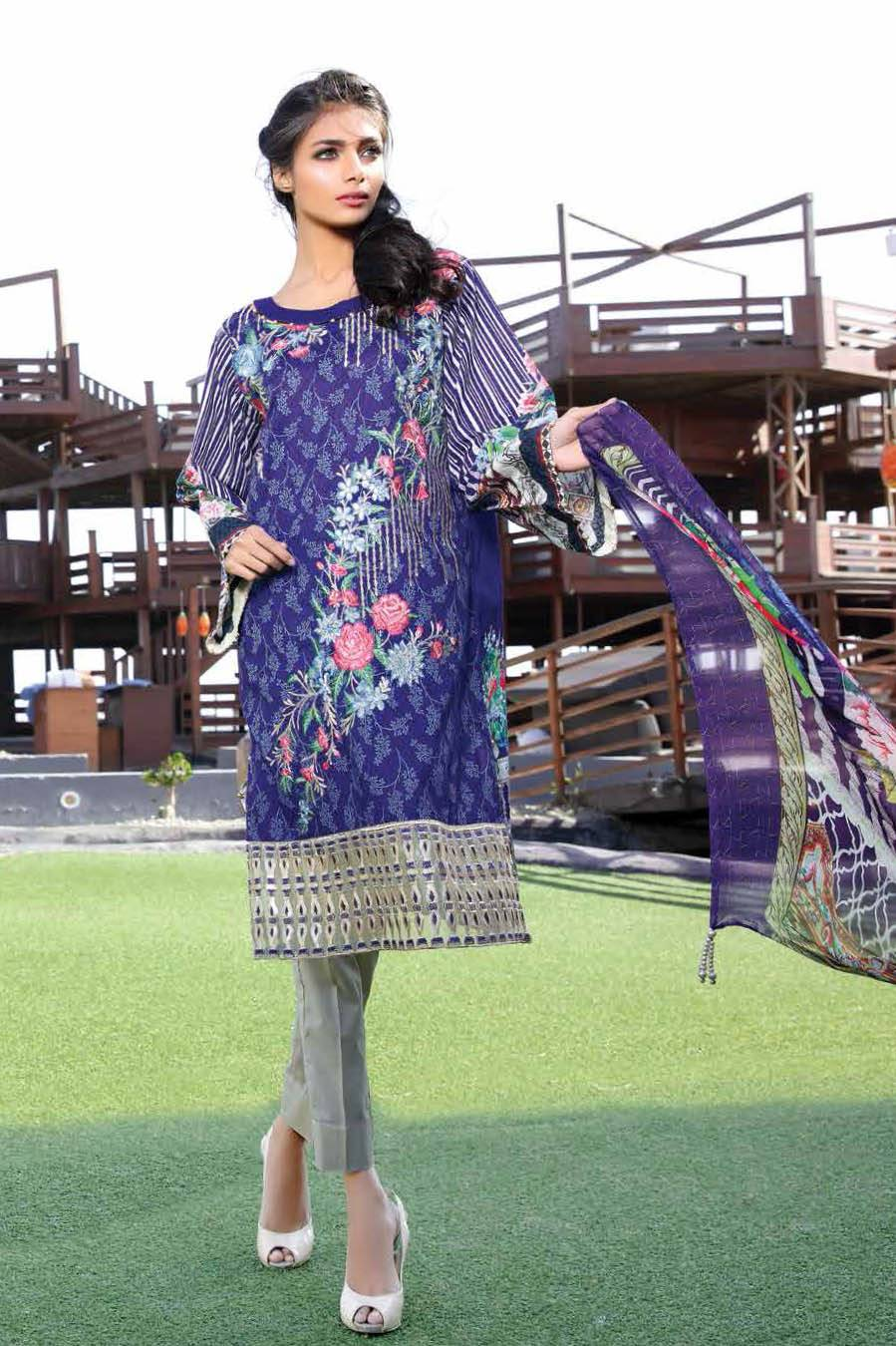 Motifz Embroidered Lawn Unstitched 3 Piece Suit MT17L 1583A