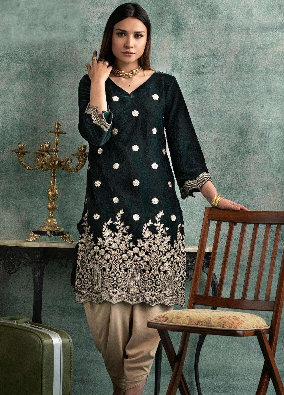 Rani Manan Embroidered Velvet Unstitched Kurties RM18-V3 06 - Winter Collection