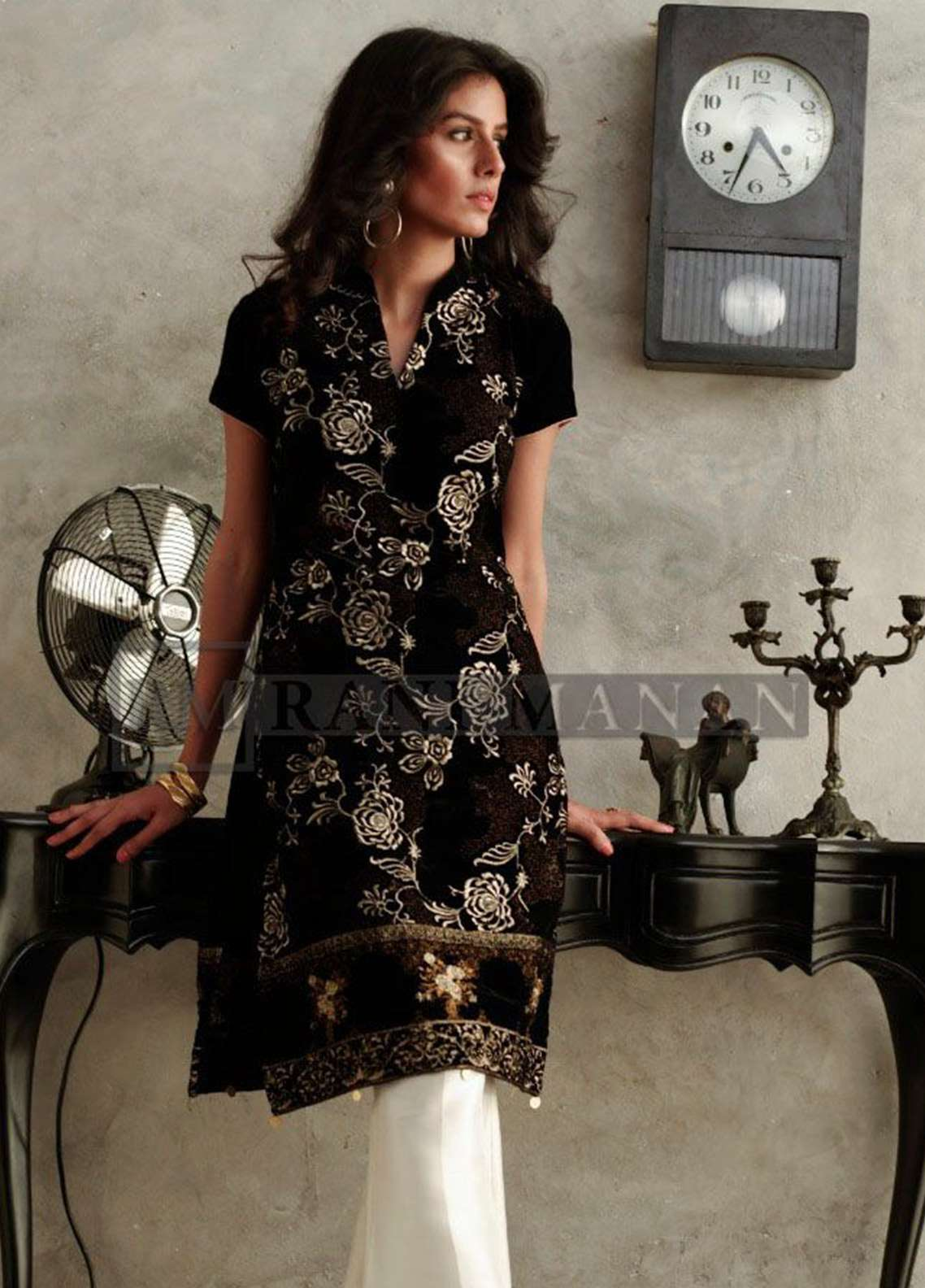 Rani Manan Embroidered Velvet Unstitched Kurties RM18V 05 - Luxury Collection