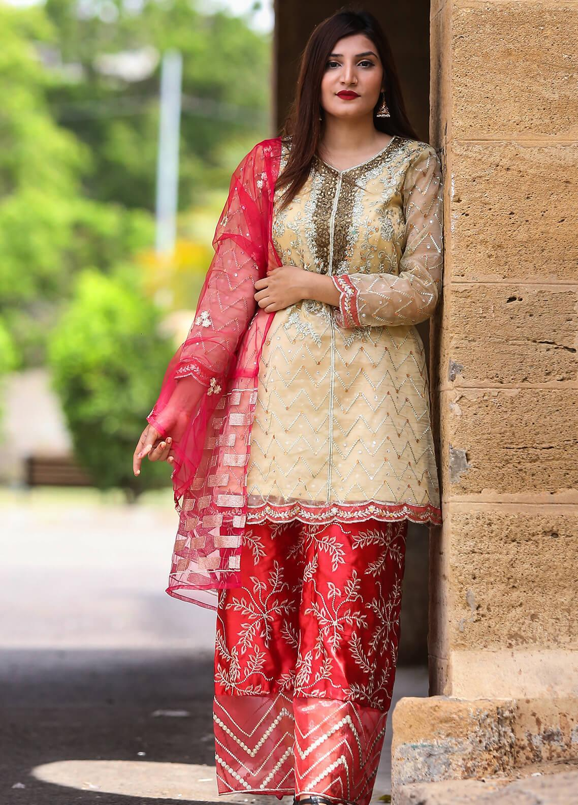 Spade Embroidered Organza Stitched 3 Piece Suit C4CRO-0