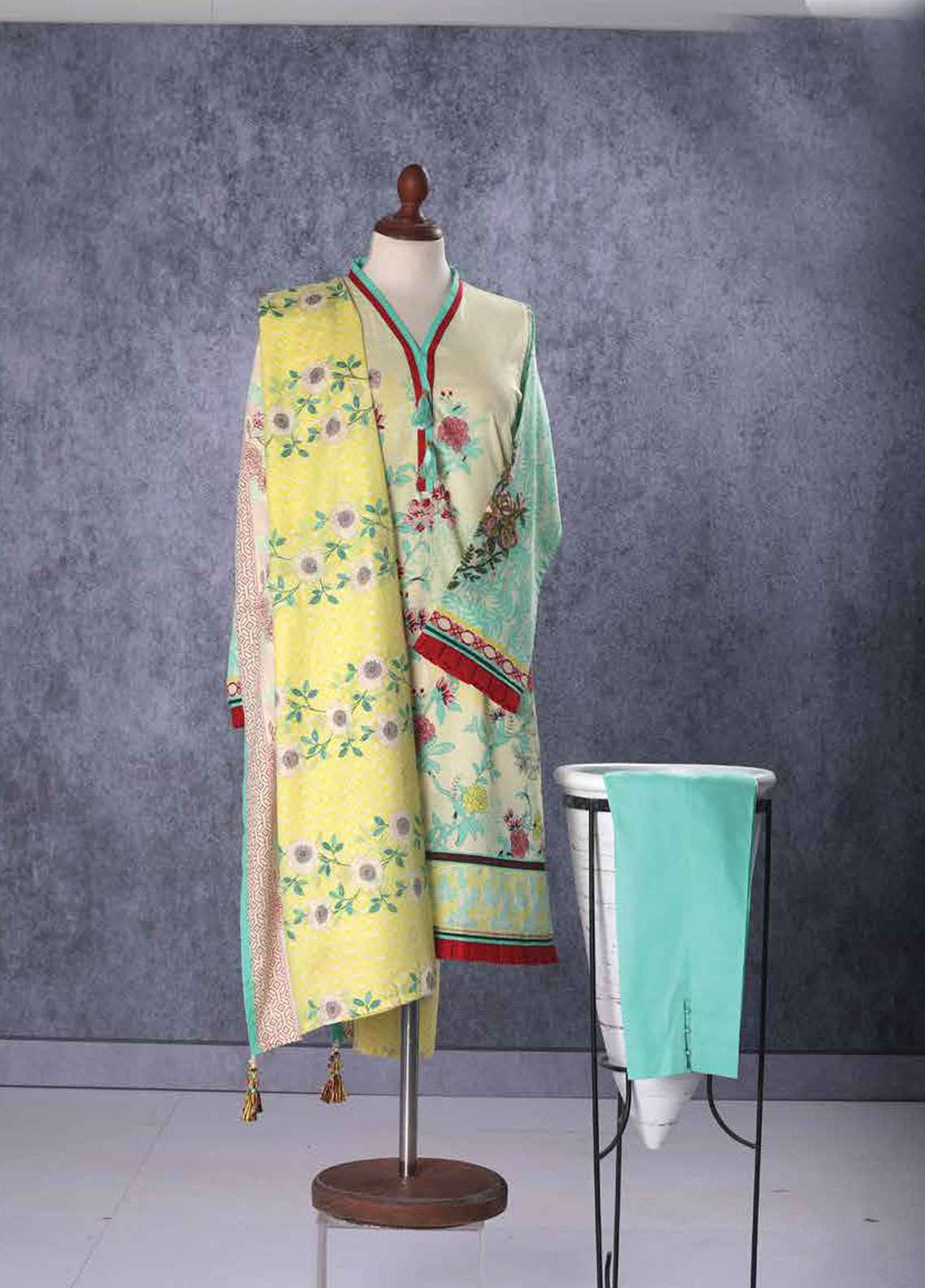 Tarzz Embroidered Lawn Unstitched 2 Piece Suit TZ19L 05B ROSE ENTWINE - Spring / Summer Collection