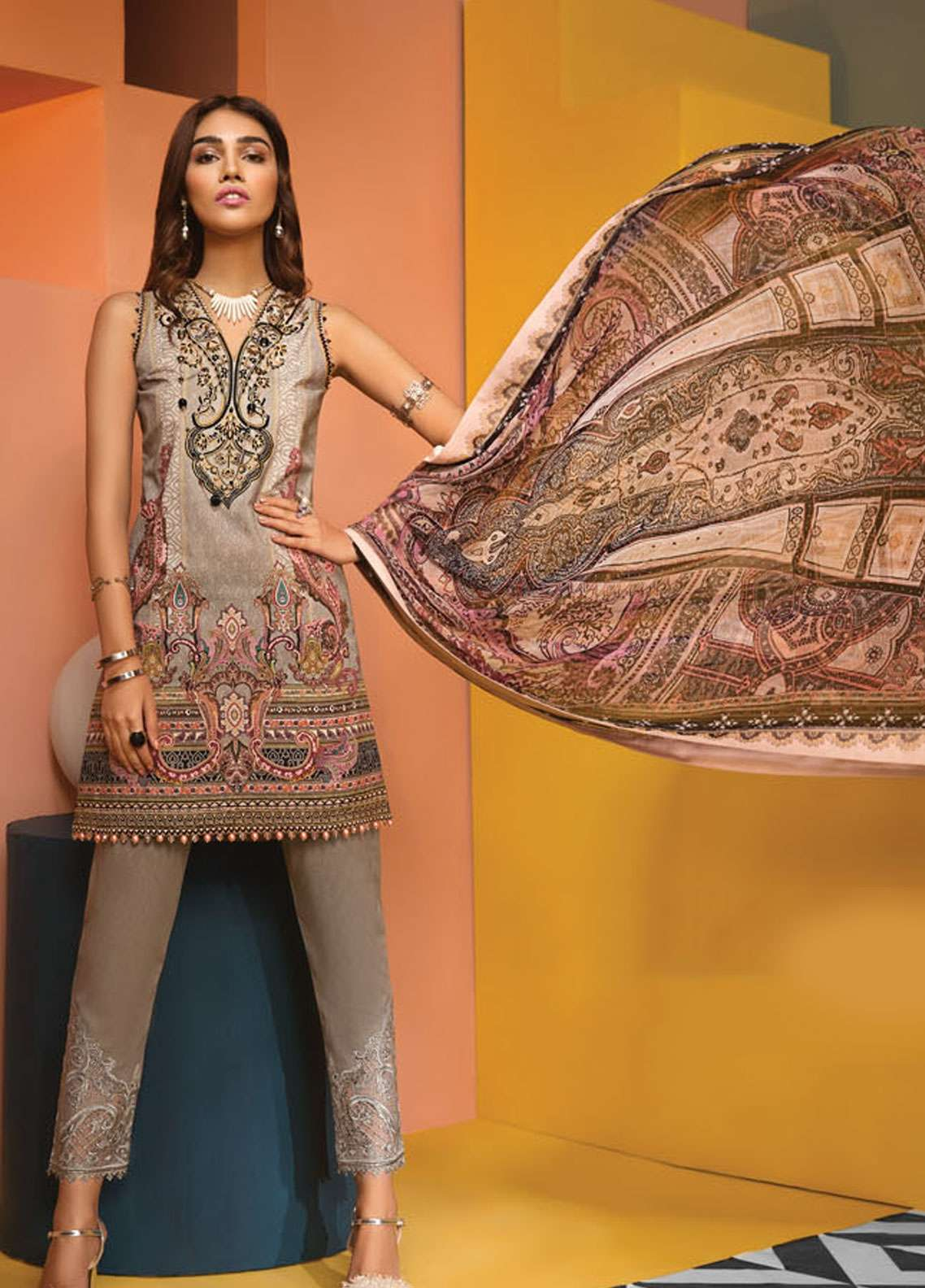 Anaya By Kiran Chaudhry Embroidered Lawn Unstitched 3 Piece Suit AKC19VL 05 GISELLE - Spring / Summer Collection