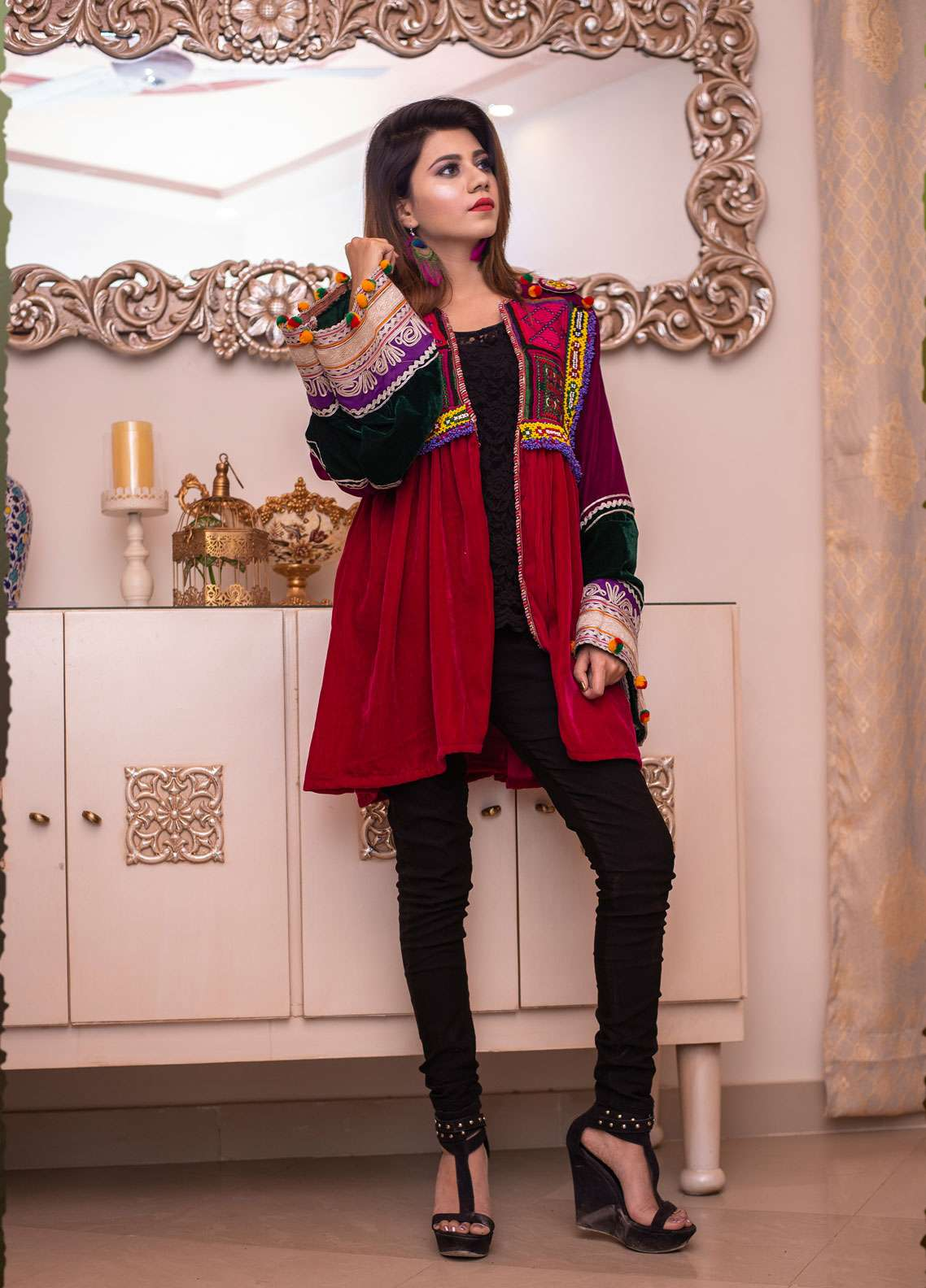 Laali Embroidered Velvet Stitched Jackets Lal-030