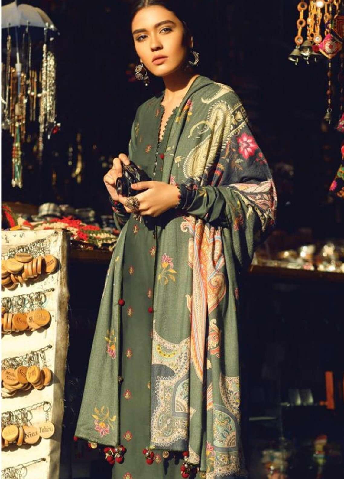 Zara Shahjahan Embroidered Karandi Unstitched 3 Piece Suit ZS18W ZAMURD - Winter Shawl Collection