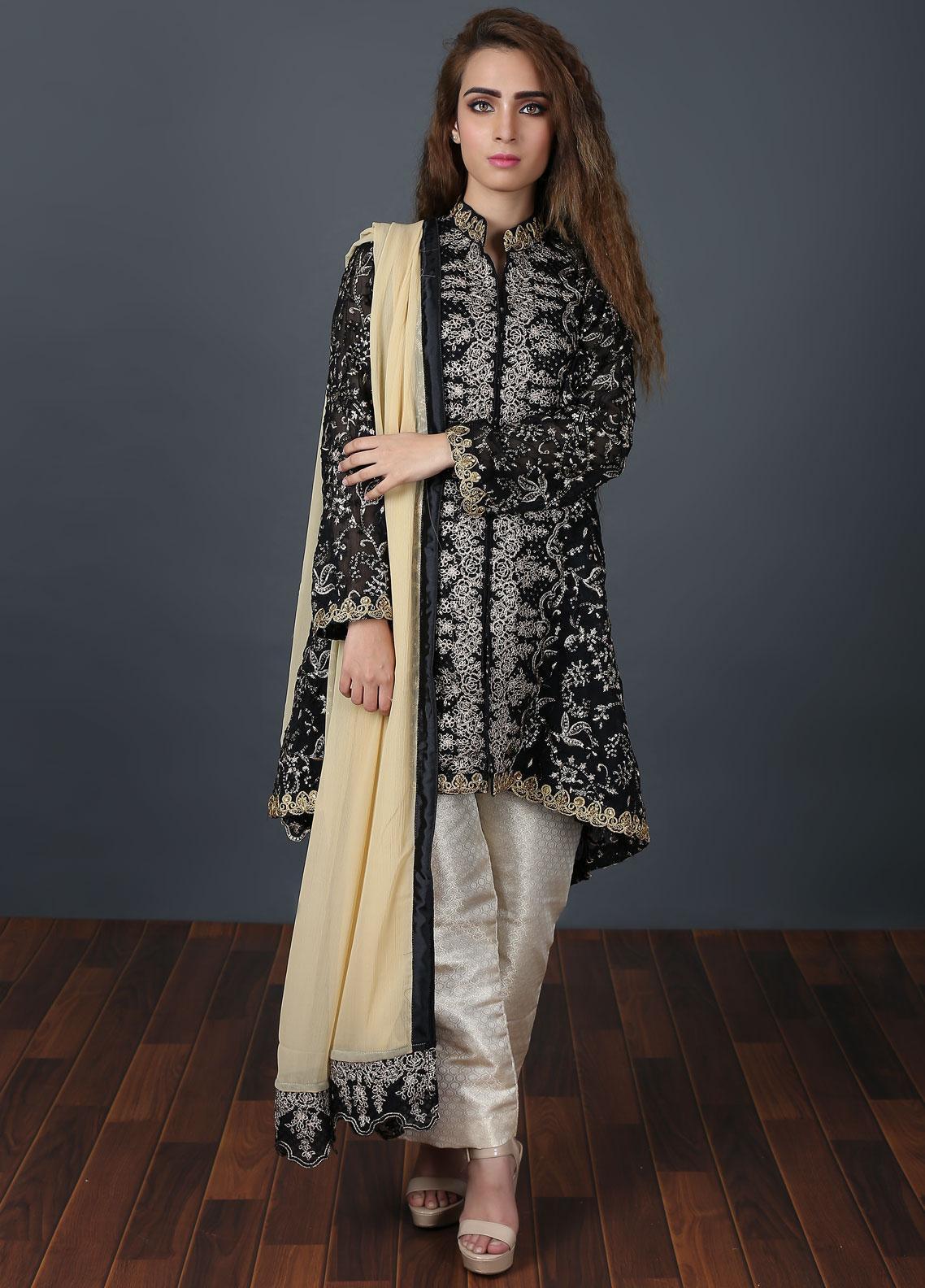Zunaaj Embroidered Chiffon Stitched 3 Piece Suit Black ZF 154